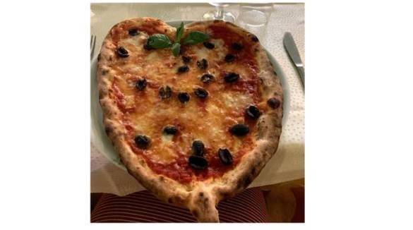 Sant'Agnello. La pizza più romantica di San Valentino è da Stelluccia