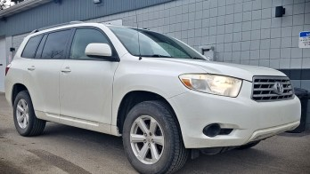 Harborcreek Client Upgrades Toyota Highlander with Backup Camera