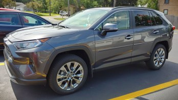 2019 Toyota RAV4 gets Vehicle-Specific Two-Way Remote Start
