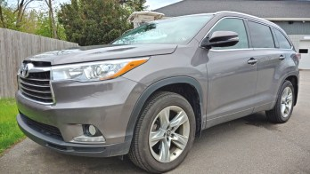 Overhead Video Upgrade for 2016 Toyota Highlander Makes Trips Easier