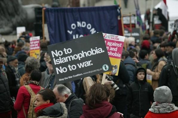 32. An einem Protest teilnehmen