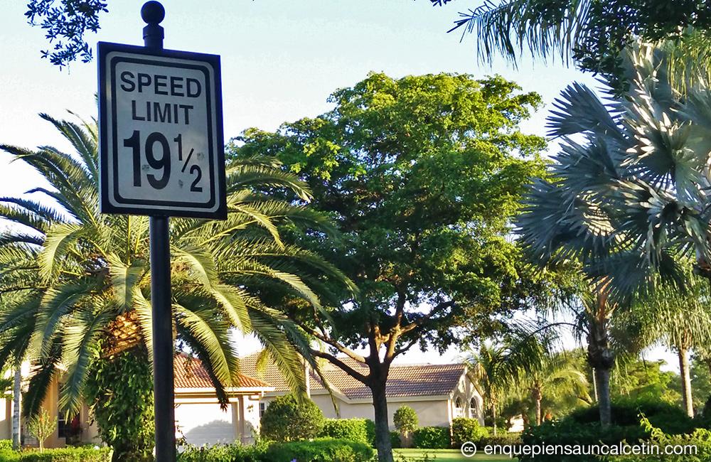 señal de límite de velocidad: 19 y medio.