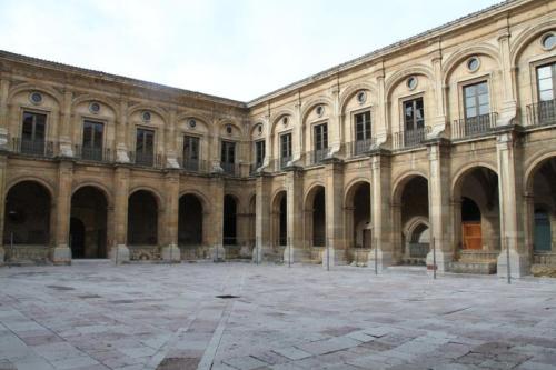 claustro de san isidoro de león