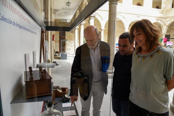Colección de antiguos instrumentos de laboratorio de Física