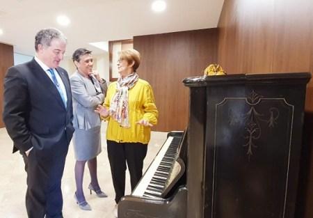 donación piano Rönisch