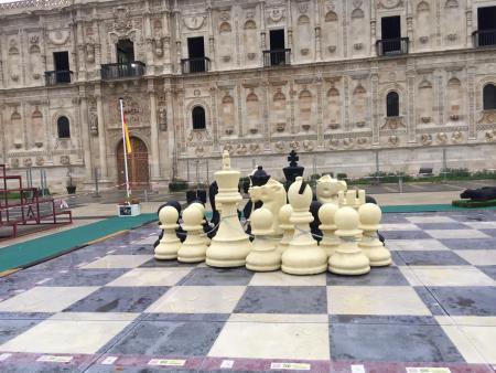 ajedrez gigante león