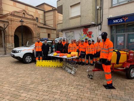 Santa María del Páramo presenta un nuevo vehículo para Protección Civil