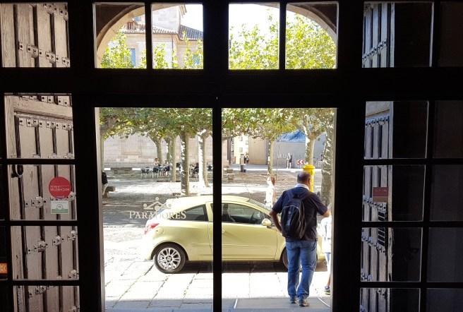 puerta parador zamora
