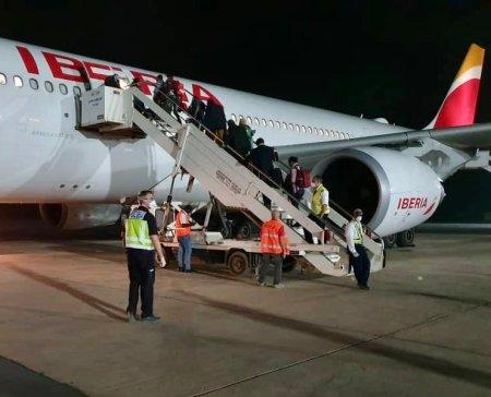 medio millar de pasajeros hubieran conseguido llegar a España gracias a la asistencia de nuestras Embajadas y Consulados.