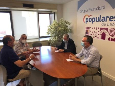 pp reunión con los representantes de la Asociación Provincial de Autoescuelas de León