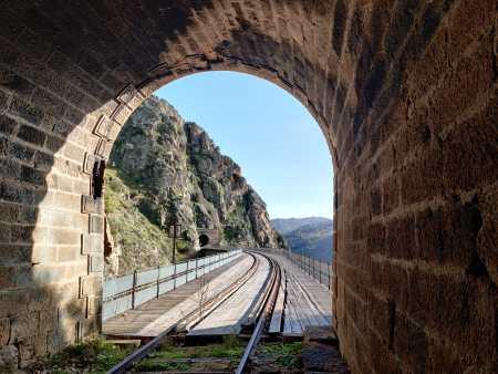 """túnel de la nueva ruta """"Camino de Hierro, Ruta de Túneles y Puentes"""" de La Fregeneda a Barca D´Alba"""