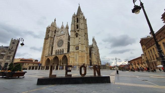 Letras Plaza de la catedral León