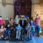 Los ganadores de los juegos organizados por el Día Internacional de los Museos reciben sus premios.