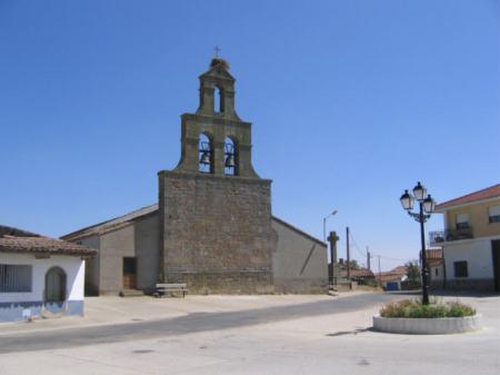 Iglesia de San Miguel Arcángel. Santiz.