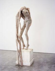 Berlinde De Bruyckere, Takman, 2008. Cire, bois, époxy, métal Collection privée © Didier Barroso