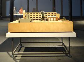 Solaris Chronicles - Frank Gehry, Loyola Law School (maquette 2), 1978-2003. Echelle 1:50. Bois, papier, mousse de polystyrène, carton. 300 x 2200 x 1500