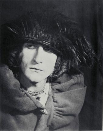 Man Ray, Rrose Sélavy, 1921, épreuve noir et blanc, tirée sur papier Guilleminot, 30 x 23,1 cm