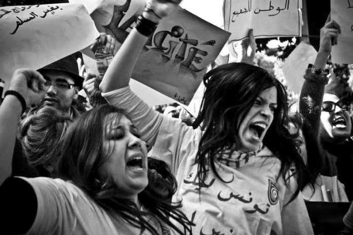 """Wassim Ghozlani, série """"Fragments d'une révolution"""", 2011. Collection de l'artiste. © Wassim Ghozlani / Hans Lucas"""