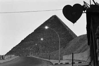 Denis Roche, 5 avril 1981, Gizeh, Egypte- 30x40cm © Denis Roche
