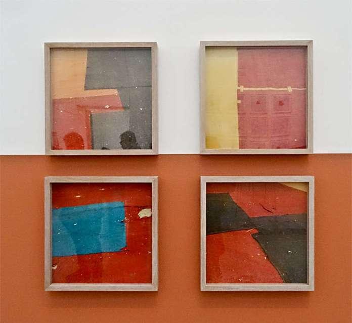 Yto Barrada, Sans titre (Raccommodage de tapis de cirque en feutre, Tanger) 2013- 2015, tirages c-print « Faux guide », Carré d'Art - 2015-2016