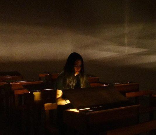 Emma Dusong, Classe, 2012 - Suivre sa voix, CRAC Sète, 2016