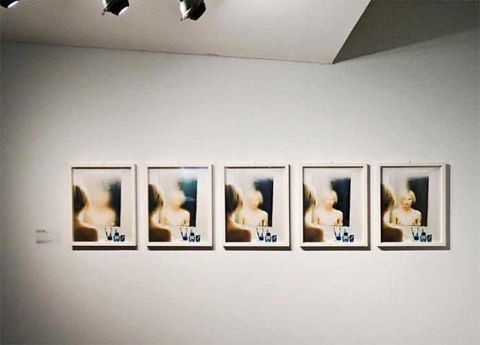 Elina Brotherus « La lumière venue du Nord » - Le Miroir (2000-2001)