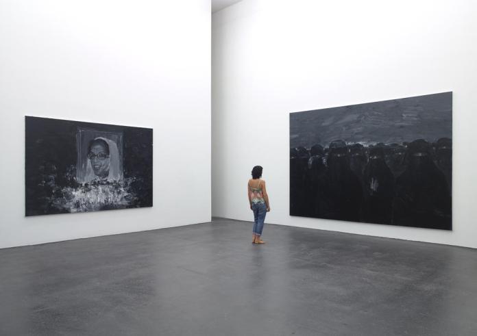 Exposition Ruines du temps réel - Yan Pei Ming, Benazir Bhutto, 2012 - Invisibles women, 2011 - huiles sur toile. Photographe Marc Domage © Yan Pei-Ming