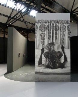 Zanele Muholi, Bona, Charlottesville, 2015 - «Somnyama Ngonyama» - Fondation LUMA Arles, La Mécanique Générale, Arles 2016 - Vue de l'exposition