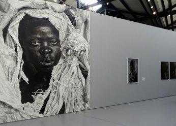 Zanele Muholi - «Somnyama Ngonyama» - Fondation LUMA Arles, La Mécanique Générale, Arles 2016 - Vue de l'exposition