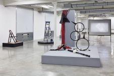 Raoul Reynolds: une rétrospective, Vue de l'exposition à la Friche la Belle de Mai. Photo Jean-Christophe Lett