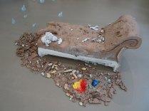 Urs Fischer, 5, 2014 - «Mon cher…» à la Fondation Vincent van Gogh Arles. Bronze moulé, peinture à l'huile, feuille de palladium, bol d'Arménie, apprêt acrylique, enduit à base de craie, colle de peau de lapin