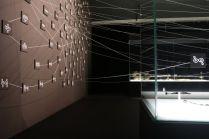 Johann Le Guillerm, Évolutions Élastiques - Vue de l'exposition au MuCEM - Photo Agnès Mellon