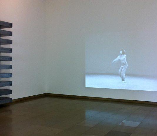 A different way to move - Carré d'Art - Désorienter. Entre ordre et dislocation. Donald Judd, Stacks et Trisha Brown, Watermotor, 1978