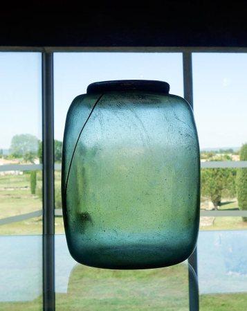 Urnes funéraires en verre d'époque romaine - Site archéologique Lattara - musée Henri Prades