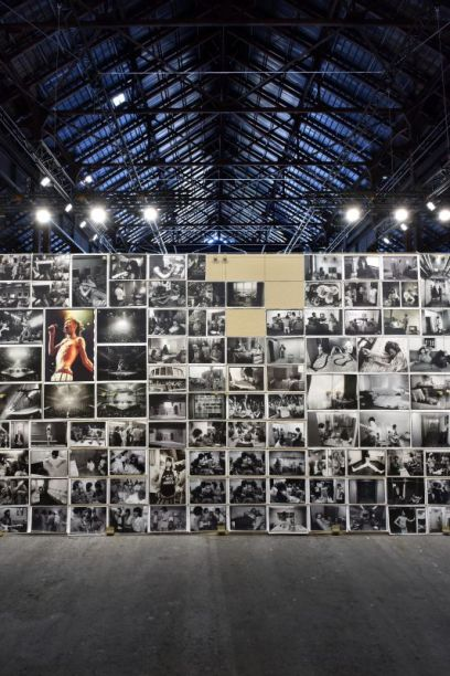 Installation view 'Annie Leibovitz The Early Years, 1970 – 1983. Archive Project #1'. LUMA Arles, 2017. Courtesy the artist and LUMA Foundation. Photo Hervé Hôte