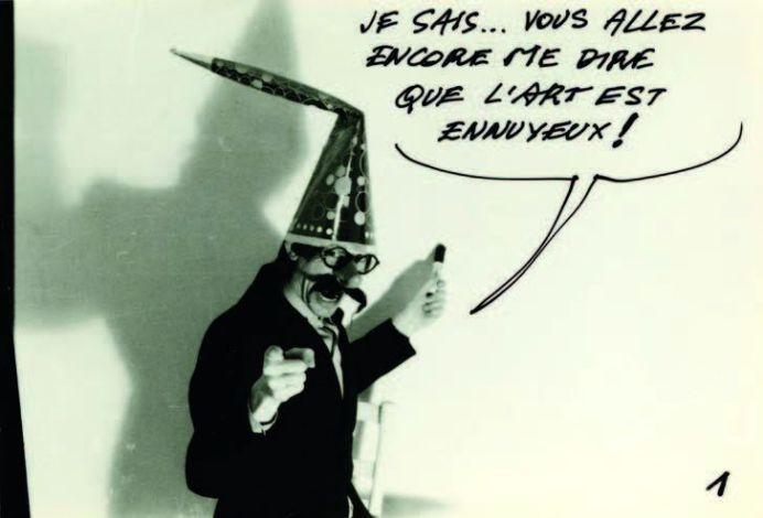 Jacques Charlier, Problème de mur, (extrait – photo 1) 1974 Photos Sketch, 6 photographies NB rehaussées à l'encre, (6) x 30 x 40 cm Courtesy Jacques Charlier