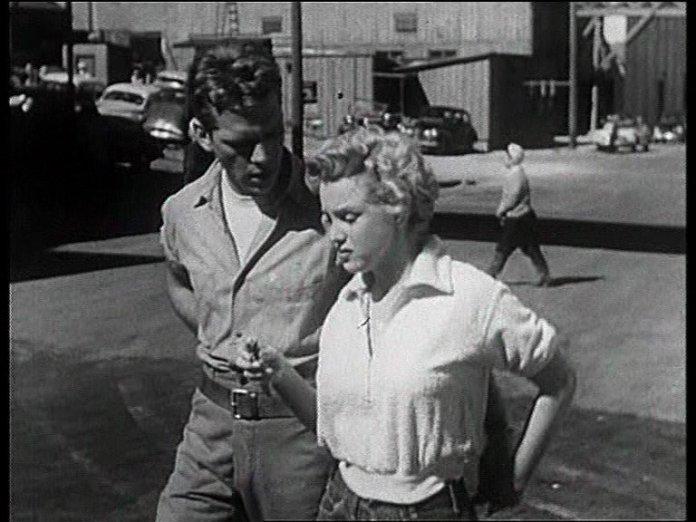Harun Farocki, Travailleurs quittant l'usine -Arbeiter verlassen die Fabrik, 1995 - Extrait de Clash by Night. de Fritz Lang (1951)