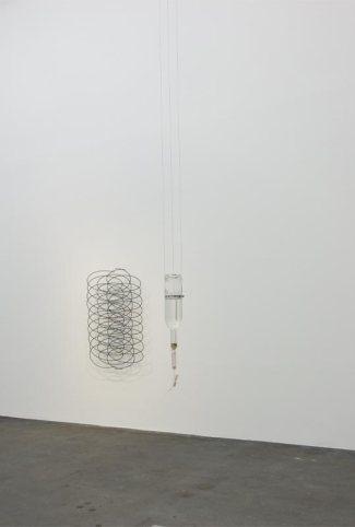 La Tempête au CRAC à Sète - Vue de l'exposition. Michel François, Time Lapse, 2016-2017 et Sigurdur Arni Sigurdsson, Diana, 2017.