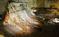 El Anatsui, Confluences, 2008 - Les éclaireurs - chambre antique du camérier, Palais des Papes