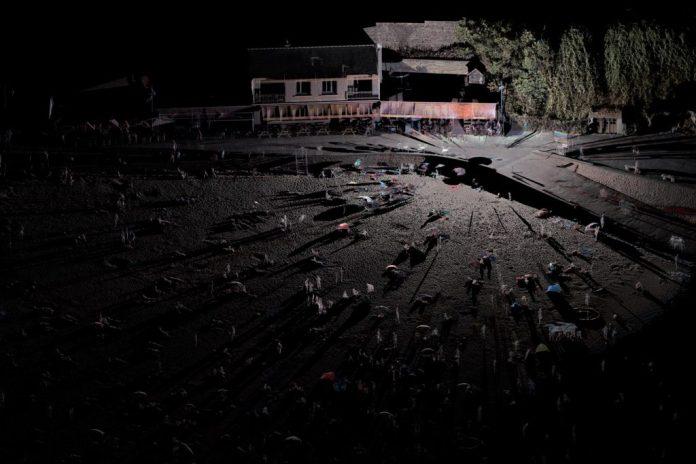 Thibault Brunet, Sans titre #14, de la série Territoires circonscrits, 2016, tirage jet d'encre sur papier, 133 x 200 cm. Collection FRAC Occitanie Montpellier. Photo : T. Brunet