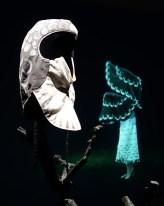Simon Starling, At Twilight, 2014-2016 ( masque et projection vidéo ) - A l'ombre du pin tordu - MRAC Sérigan