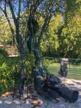Yzo, Délivrance 2018 - Tissage / Tressage... quand la sculpture défile à la Villa Datris Isabelle Grasset