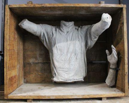 Ugo Schiavi - Aux armes, 2018 Ugo Schiavi - Tête de lion, 2018 - «Rudus, Ruderis» à la Double V Gallery – Marseille Photo © Jean-Christophe Lett