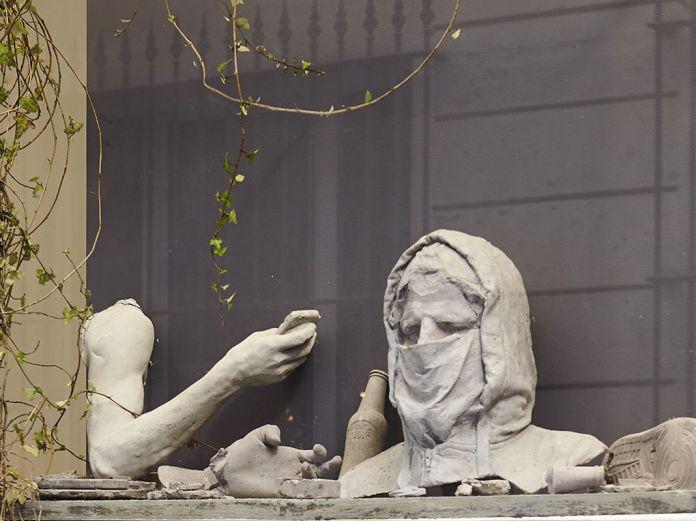 Ugo Schiavi - «Rudus, Ruderis» - Vitrine de la Double V Gallery – Marseille Photo © Jean-Christophe Lett