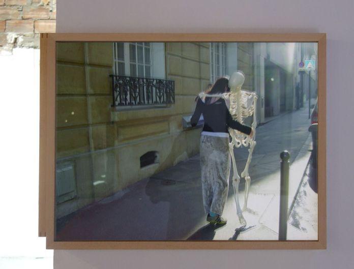 Adel Abdessemed, Mes Amis, 2005, C-Print, 49 x 65 cm - Au-delà du principe de plaisir - Rencontres Arles 2018
