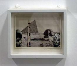 René Burri, Collage sur carte postale, 1980 - Les pyramides imaginaires aux Renconres Arles 2018
