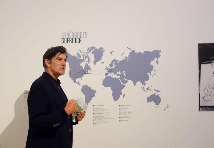Jean-Marc Prevost, commissaire et directeur de Carré d'Art