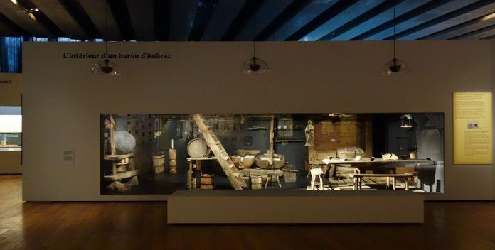 Georges Henri Rivière Voir, c'est comprendre au Mucem - L'intérieur d'un buron d'Aubrac - Vue de l'exposition