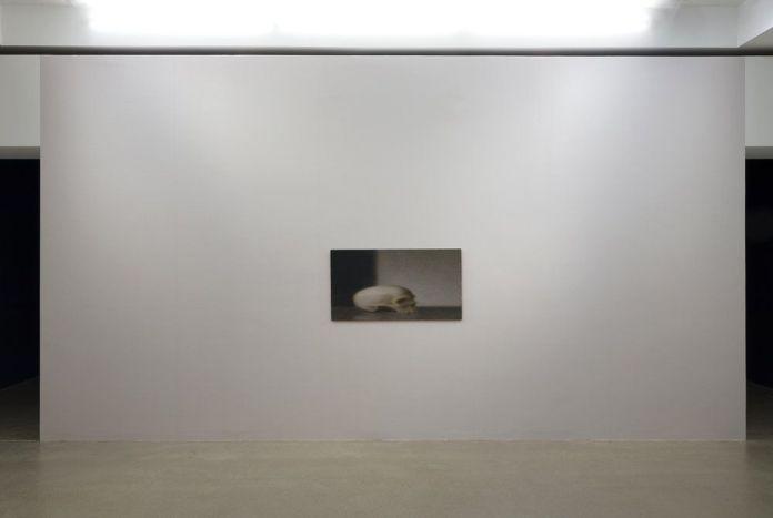 Picture Industry - Walead Beshty - Louise Lawler, Civilian «Adjust to Fit», 2016 -  les Forges, Luma Arles, Parc des Ateliers, Arles, France, 2018. © Lionel Roux.