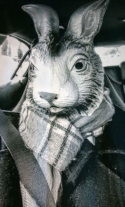 Denis Brun - Autoportrait en voiture, 2019 - Life is life - Le lieu multiple montpellier